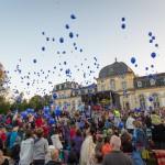 Luftballon Wettbewerb beim Taschenlampen Konzert