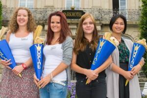 Ausbildung bei Dorint - Veranstaltungskauffrau Sophie Müller sowie die drei Hotelfachfrauen Katharina Föller, Jessica Koßack und Elyssa Estocado (von links)